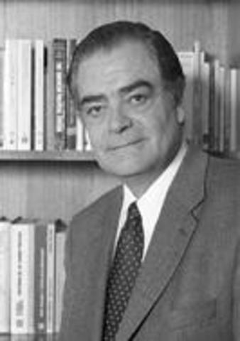Pedro Morandé estudia la adopción y predominio de la sociología norteamericana en Latinoamérica (1950-19601).