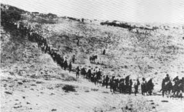 Nazis evacuate death camps