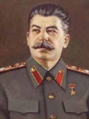 Joseph Stalin rises to power