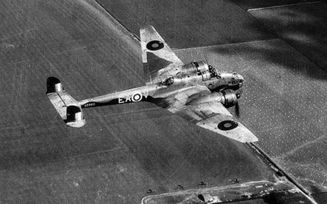 RAF bombardea Hamburgo