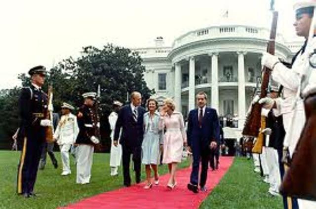 Persident Nixon Resigns
