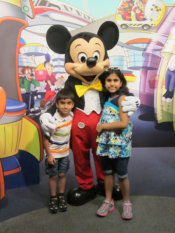 I went to Florida and met Mickey Mouse!!