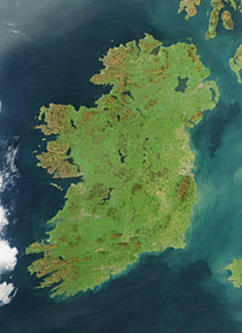 Ireland gains independence