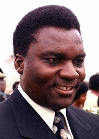 President Habryarimana and President of Burundi are killed