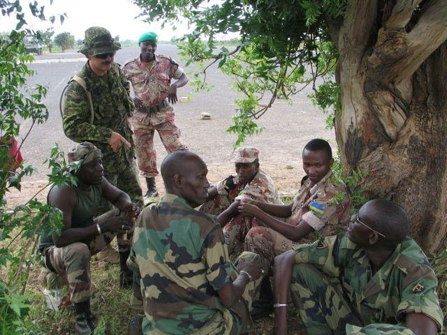 U.N. finally agrees to send troops to Rwanda