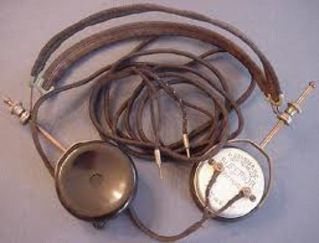 First 'headphone' invented by Nathaniel Baldwin