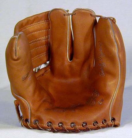 1950s Early Wynn Model Hutch Baseball Glove