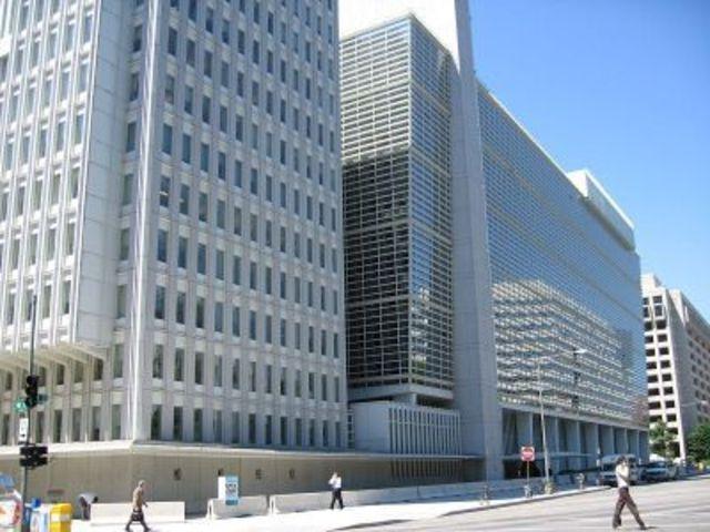 La  intervencion del Banco Mundial en el desarrollo  despues de la segunda Guerra Mundial.