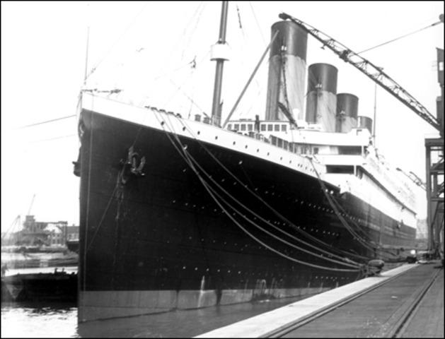 The titanic sets sail