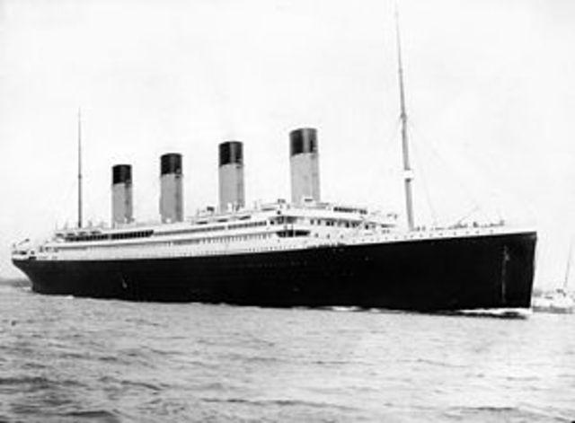RMS Titanic Sinks