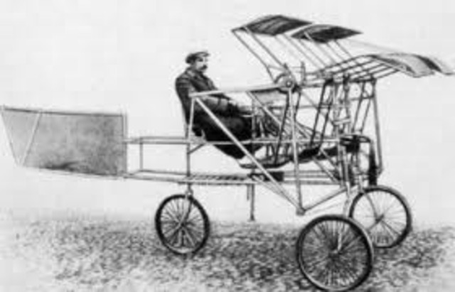 Wright Brothers invent modern flight