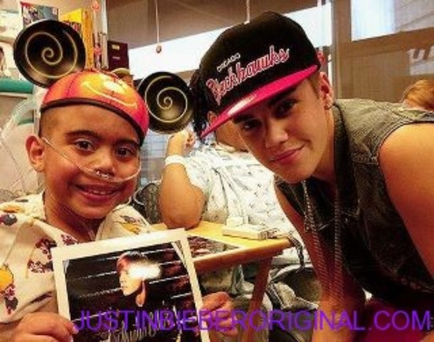 Justin Bieber Surprises Kids In Children Hospitals
