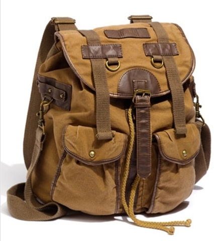 Katniss Grabs a Backpack and Runs - wl6905