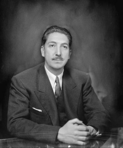 Miguel Aleman Valdez becomes President