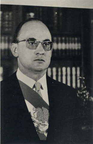 Luis Echeverria Alvarez becomes President