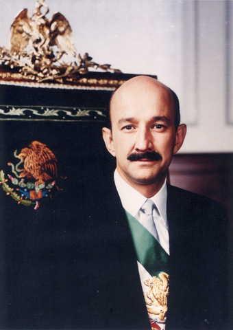 Carlos Salinas de Gortari becomes President