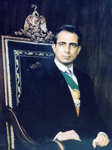 Ernesto Zedillo Ponce de Leon becomes President