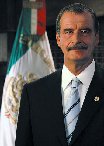 Vicente Fox Quesada becomes President