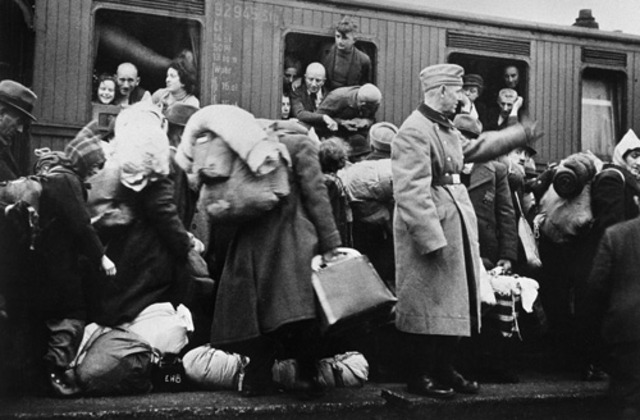 Jewish people begin to be deported from germany