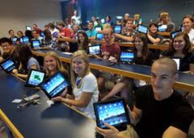 Students begin using tablets