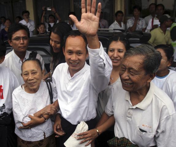 Key political prisoners released