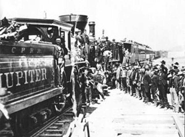 First railroad built that connects US and Mexico