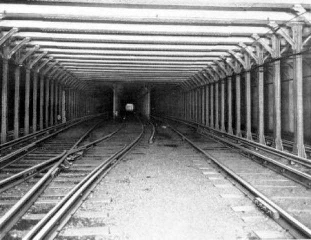 New York gets first subway line