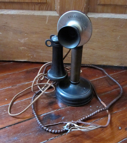 First transatlantic radio telephone call is made between Arlington,VA and Paris, France