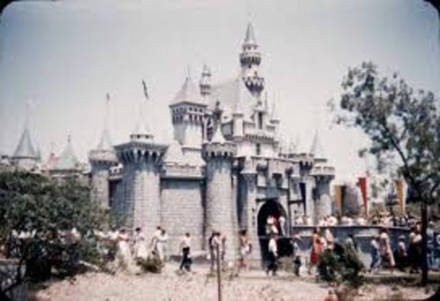 Fashion and Entertainment:  Disney Land si thought up and built