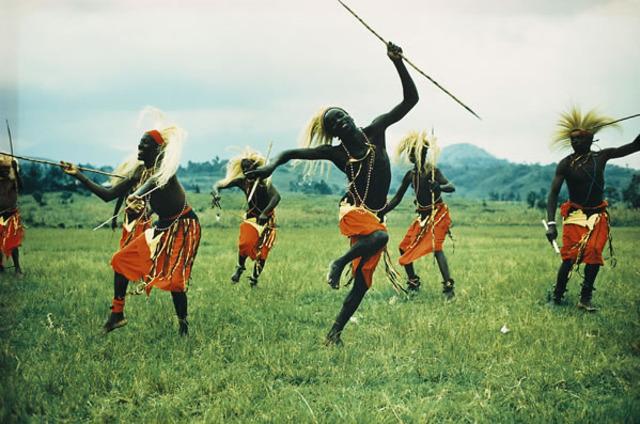 Hutu and Tutsi Arrival