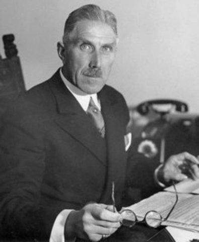 Franz von Papen loses support