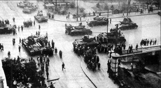 Soviet Tanks roll into Hungary to re-establish Soviet power