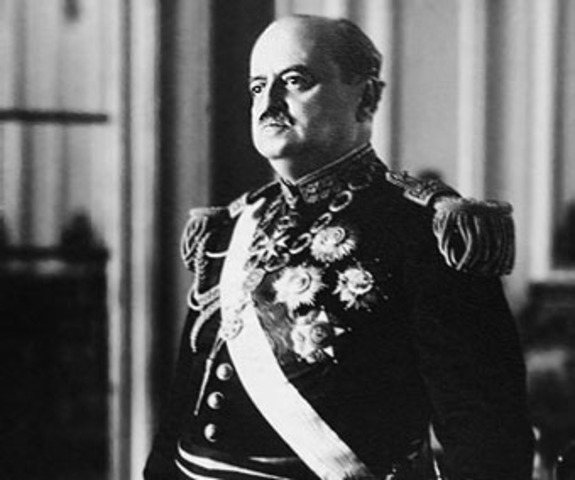 Óscar Raimundo Benavides Larrea