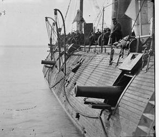 Ironclad ships battle