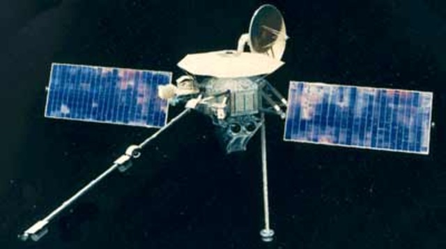 Mariner 10 launched