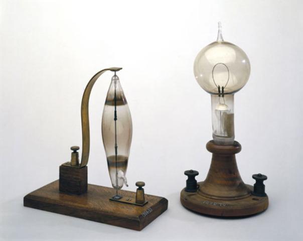 Thomas Edison improves Light Bulb