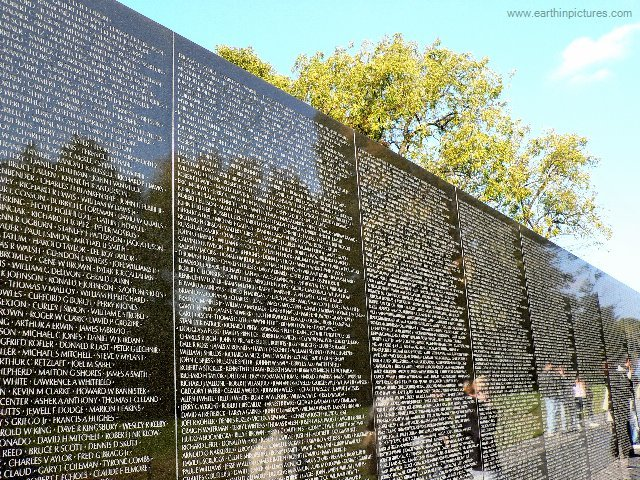 World Events : veitnam memorial wall