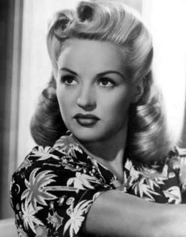Fashion and Entertainment: Victory rolls