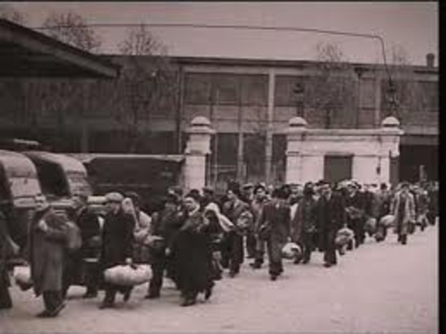Nazis begin rounding up Jews for labor camps