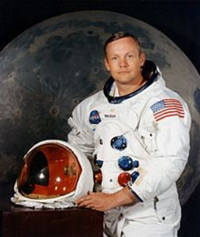 Neil Armstrong becomes the first man to walk on the moon
