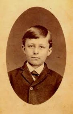 Wilbur Wright is born