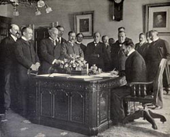 Signing of the Hay-Pauncefote Treaty