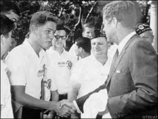 Clinton meets President John F. Kennedy