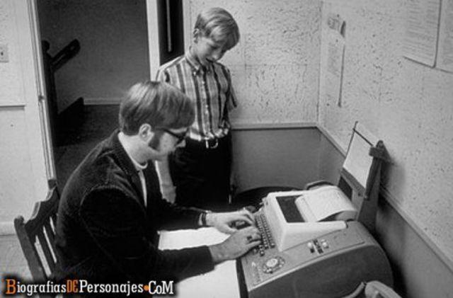 Primer contacto de Bill Gates con una computadora
