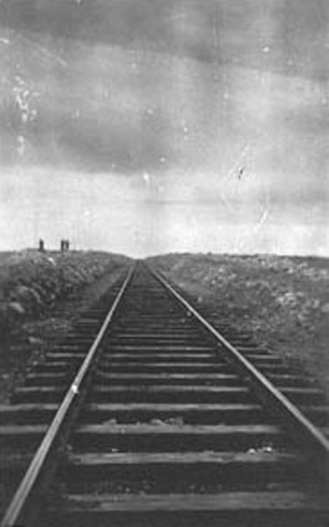 Completion of transcontinental railway linking Brisbane to Perth