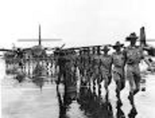 Australian troops withdraw from Vietnam