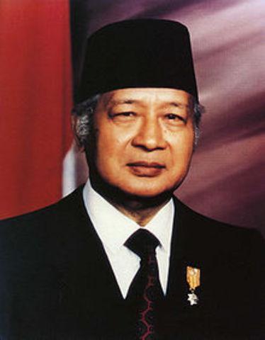 Indonessia: Suharto succedes Sukarno