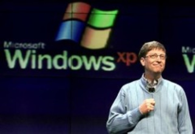 Gates anuncia su marcha de Microsoft