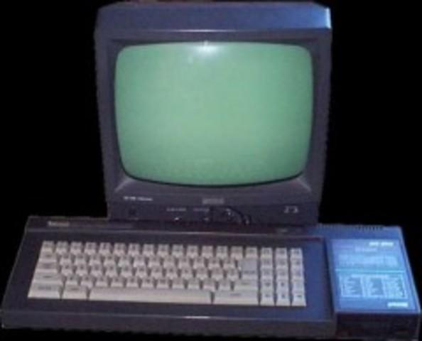 Lanzamiento del primer ordenador de NeXT