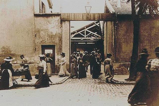 Auguste & Louis Lumière - La sortie de l'usine Lumière à Lyon